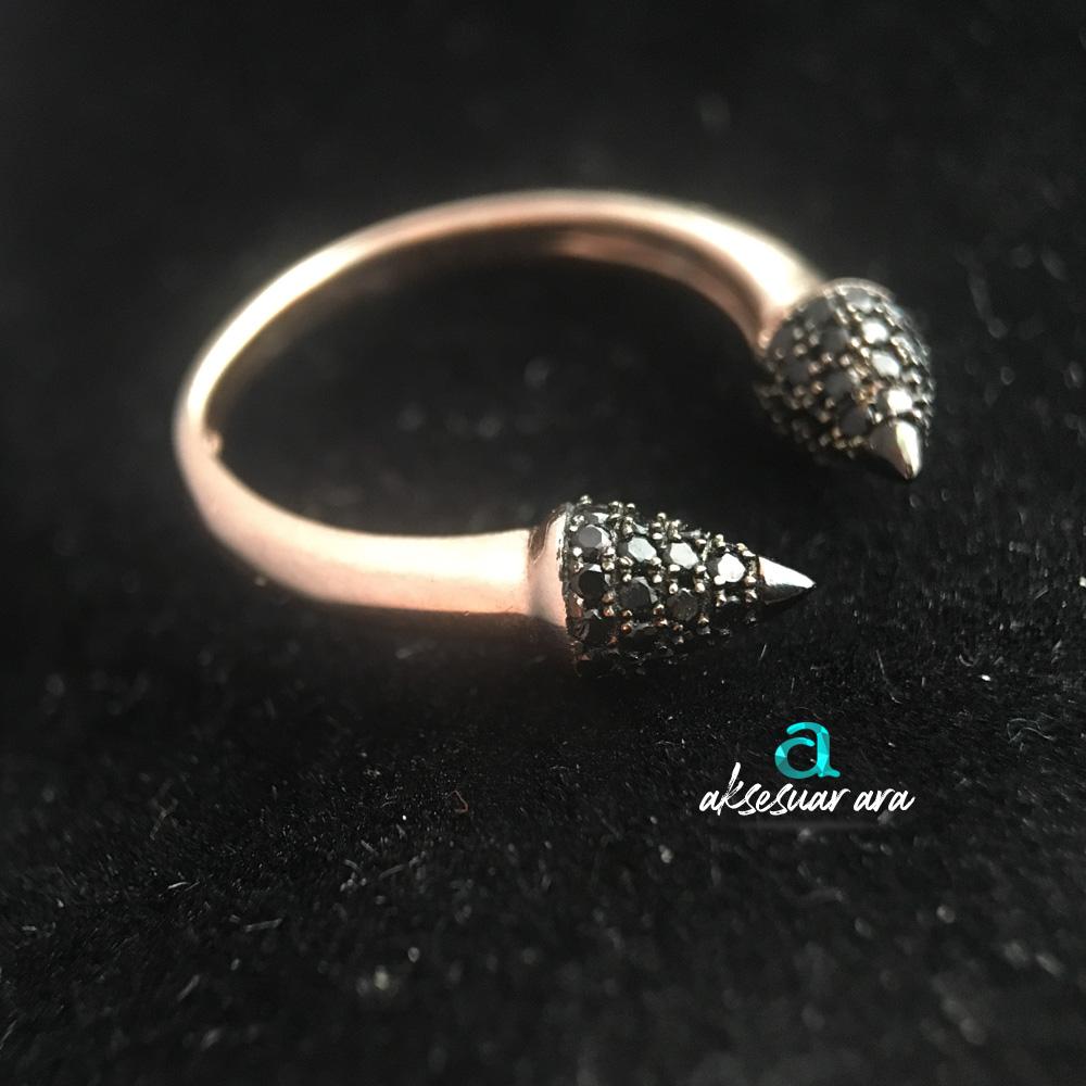 Siyah Zirkon Doğal Taşlı Ok 925 Ayar Gümüş Yüzük | ID00161