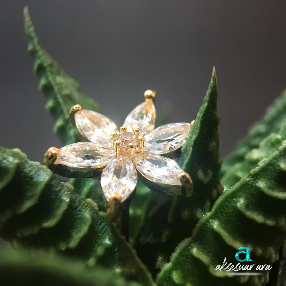 Verre Brillant Fleur Bayan Küpe | ID00197