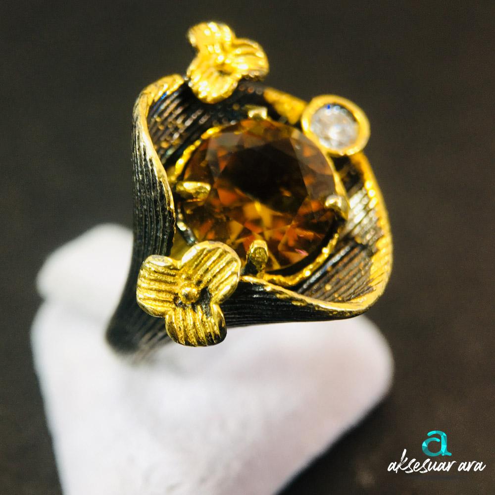 Zultanit Doğal Taşlı Yaprak Figürlü Eskitme 925 Ayar Gümüş Tasarım Yüzük | ID00302